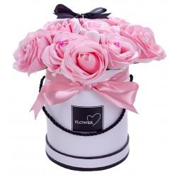 Flower Box z pachnących róż mydlanych różowy