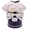 flower box z pachnących róż mydlanych kremowy